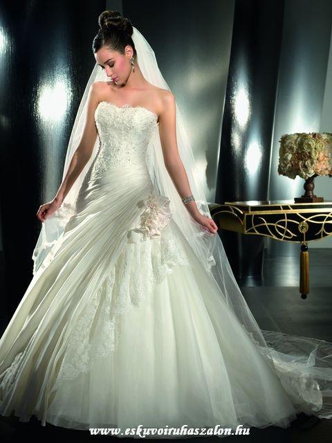 083e38396cf9 Esküvői ruha kölcsönzés